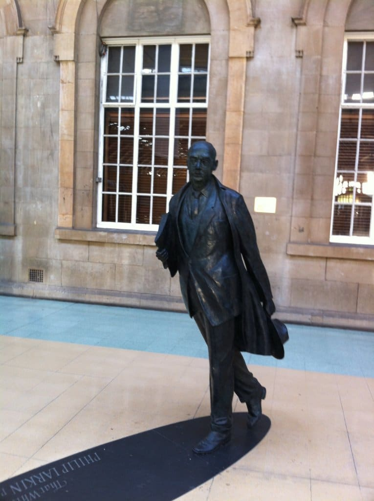 Statute of Philip Larkin at Hull Station